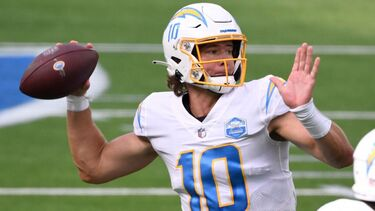 Justin Herbert impresses in NFL debut, but Tyrod Taylor still Chargers' starter if healthy