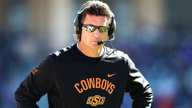 Oklahoma State coach Mike Gundy agrees to take $1M pay cut after review