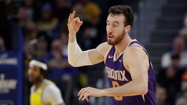 Frank Kaminsky agrees to one-year deal with Kings