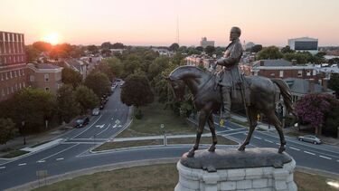 Judge starts new injunction barring Lee statue removal