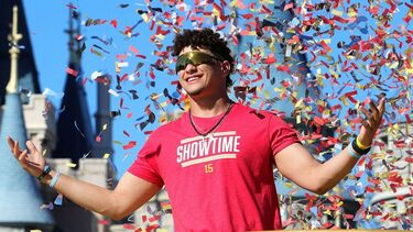Patrick Mahomes' 10-year extension -- Social media reaction