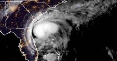 Hurricane warning issued in Carolinas as Isaias nears