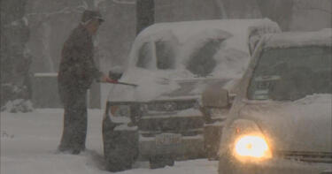Heavy snow and winds wreak havoc for holiday travelers