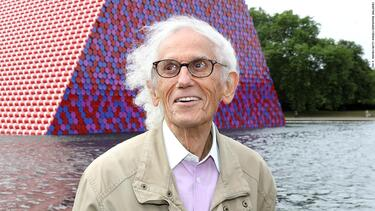 Christo, who made monumental art around the world, has died at 84