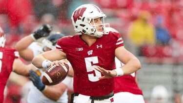 Graham Mertz rewrites Wisconsin football record book in debut as starter