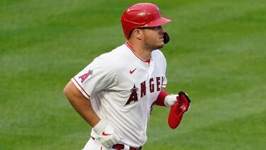 Los Angeles Angels lose star Mike Trout to a strained right calf after first inning of series opener
