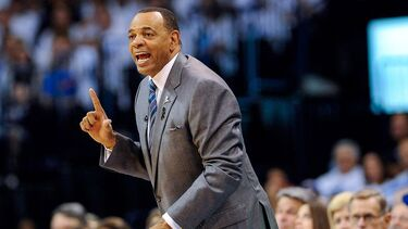 Lakers assistant Lionel Hollins deemed higher-risk, won't go to Orlando